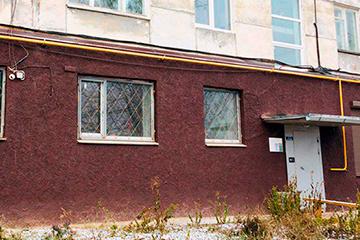 Восстановление декоративной штукатурки цокольного этажа с дальнейшей покраской